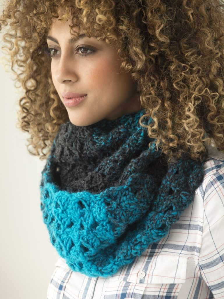 LION BRAND 1 Ball Cowl Free Crochet Pattern